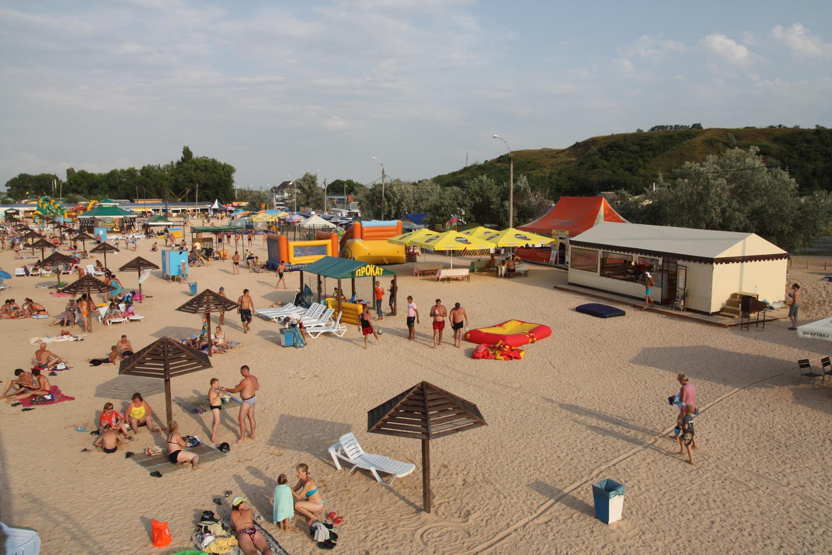 Фото пляжа станицы голубицкой